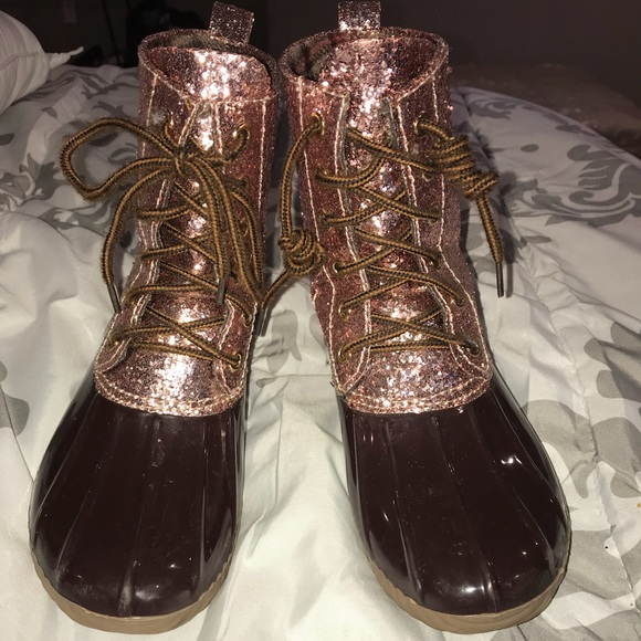 a81864f6a551 Yoki Shoes | Rose Gold Glitter Top Duck Boot Sz 34 Kids | Poshmark